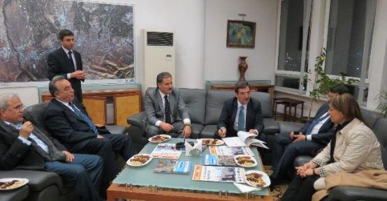 Bakan Güllüce'den Malatya Belediyesi'ni Ziyaret
