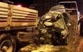 Feci Kaza...Otomobil TIR'ın Altına Girdi